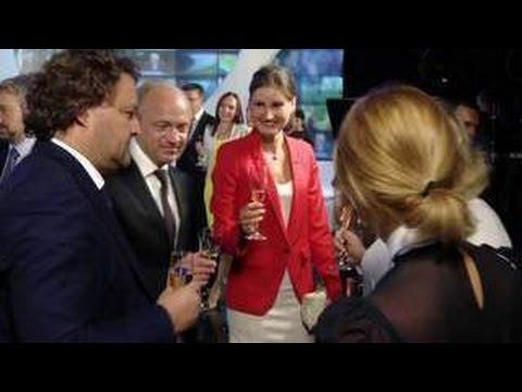 ВГТРК - 25 лет: журналистов телекомпании лично приехал поздравить Путин