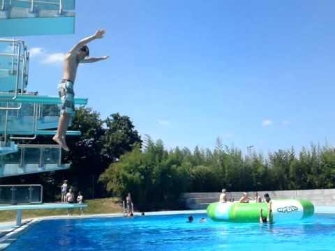 Freibad Sprung aus 10 Meter mit Auerbach | Doovi