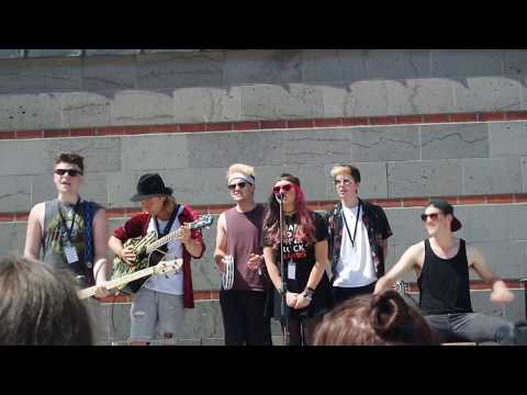 Offshore & Bronnie - Year 3000 (cover) // Cologne, Germany (acoustic hangout tour)