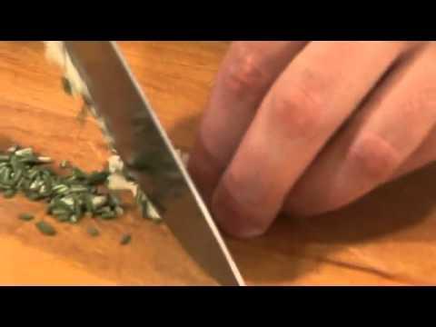 Роллы из говядины с розмарином Кулинарные рецепты от Cif video hd