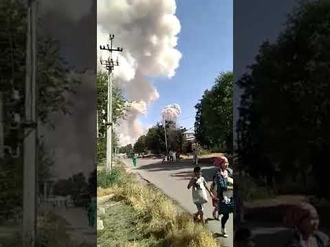 Момент взрыва в воинской части Казахстана попал на видео.