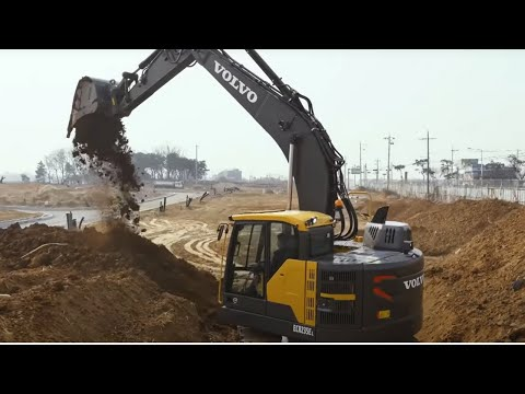Walkaround movie ECR235E Volvo crawler excavator with short swing radius