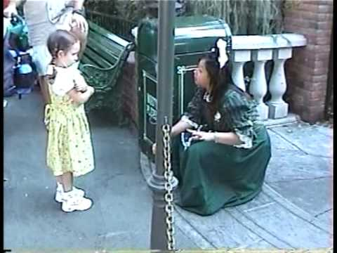 Disneyland Cast Member Explains Haunted Mansion To Scared Child - 2001