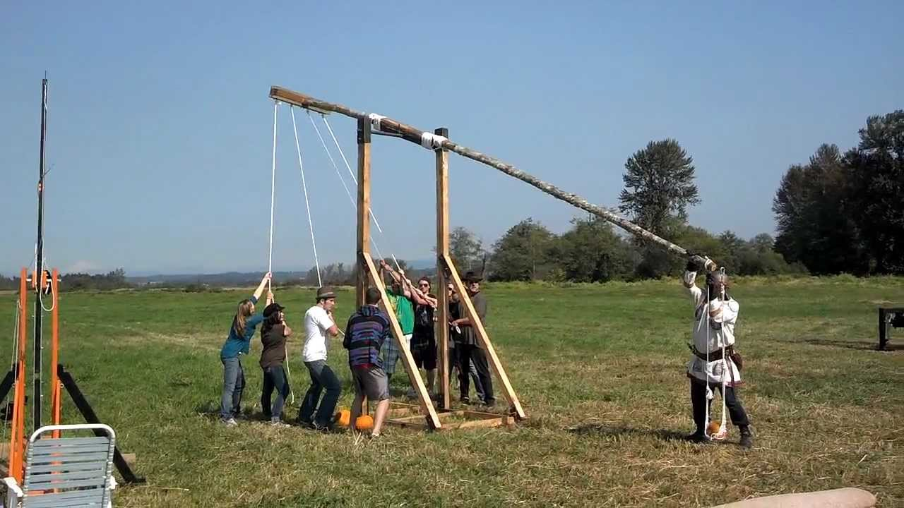 hight resolution of b reconstruction of a traction trebuchet