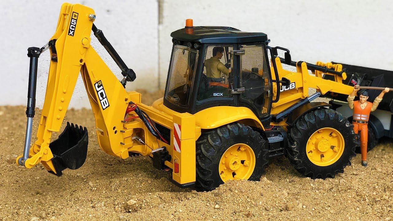 Bruder JCB 5CX Backhoe Tractor Excavator sand action for kids!