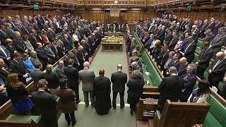 Londra terör saldırısı kurbanlarının yasını tutuyor