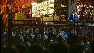 三社祭 宮入 三の宮 ケンカ 警察官は止めないそうです。祭りに喧嘩は付...