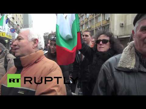 Bulgaria: President joins mass street protest against energy prices