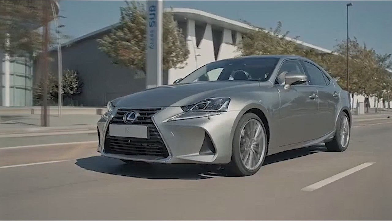 2017 Lexus Is 300h Driving Test