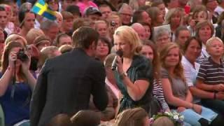 Maria Haukaas Storeng & Måns Zelmerlöw  - Precious To Me (Live Lotta På Liseberg 2010)