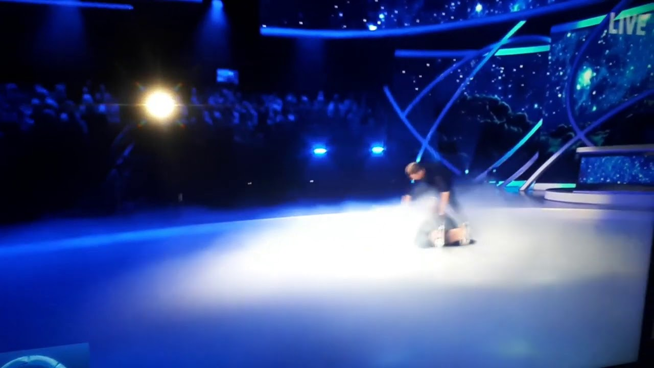 Download Dancing on ice Gemma Collins falls over