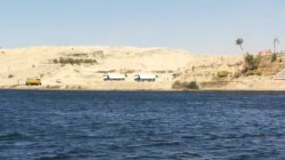 Suez Canal new: a scene in the dig October 8, 2014