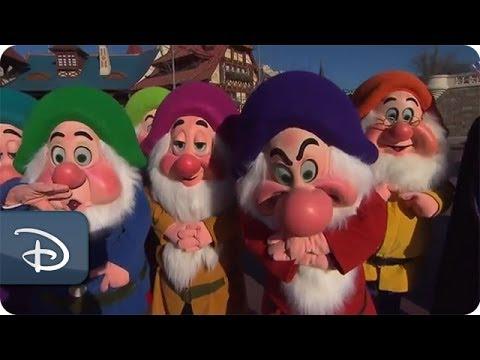 Behind the Scenes | 140-Disney-Character 'Ultimate Tweet'