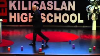 Sıra Dışı Yaşam Becerileri | Melih Arat | TEDxKılıçaslanHighSchool