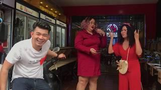 sopheak kosoma with eang vichai ,Pan Cake  speak english Funny about Phone repair