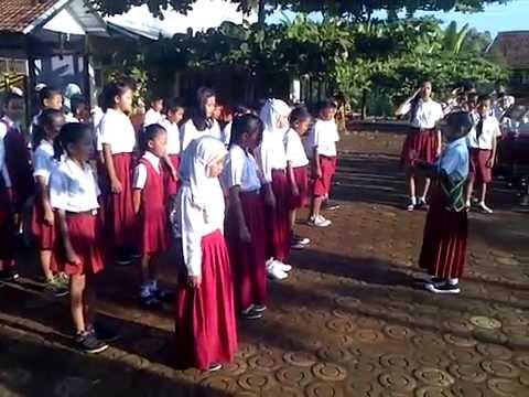 Video Anak Nyanyi Lagu Indonesia Raya Dalam Upacara Bendera Hari Senin 1 2 preview