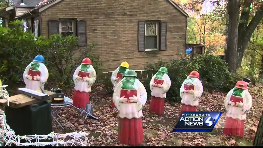 Pittsburgh Christmas Shows.Merry Christmas Home Once Known For Holiday Lights Now Shows Vulgar Display