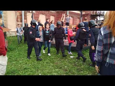 Смотреть 17 Митинг 09.09 Петербург против пенсионной реформы. онлайн