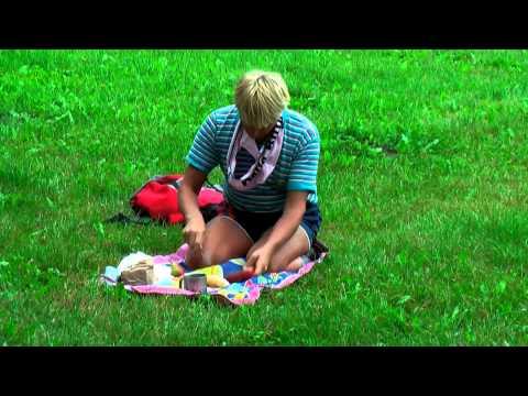 Przygody GrackaPlacka  Gracek na pikniku