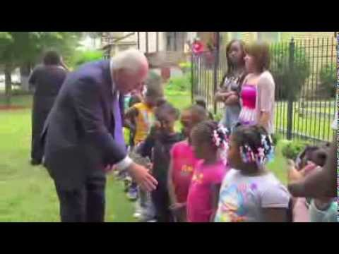 Governor Quinn signs House Bill on Domestic Violence