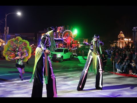 2018 Universal Orlando Mardi Gras | Full Parade! New Floats, New Costumes, More Fun!