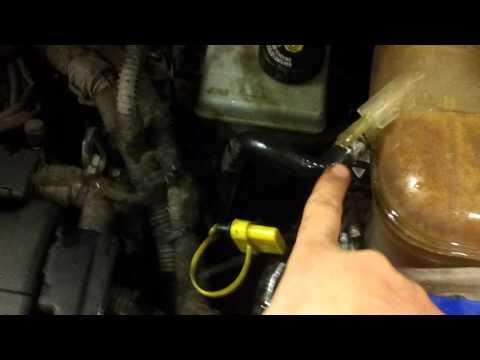 Прокачка воздуха в системе Опель Астра Н подходит и для других машин