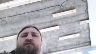как сделать потолок из пвх на балконе
