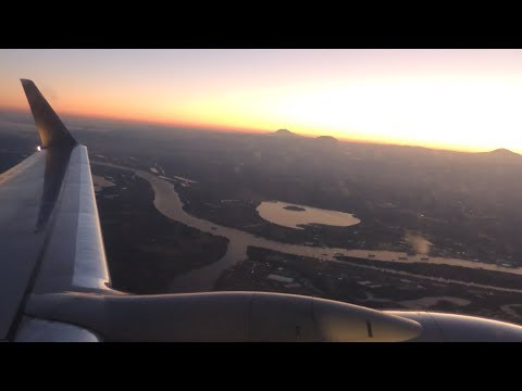 American Airlines Boeing 737-800 [N929NN] Dawn Takeoff From PDX