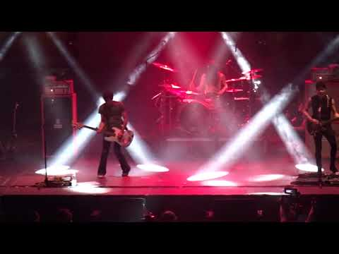 The Zen Circus - La Terza Guerra Mondiale - Live - Paladozza Bologna - 12/04/2019