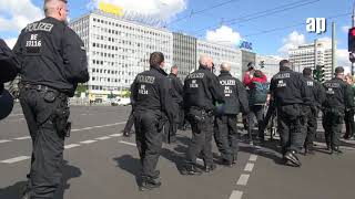 Berlin 2020: prove that you exist / beweise, das es dich gibt