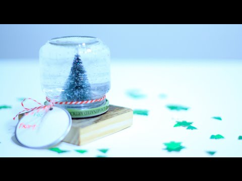 Mason Jar Snow Globe - 10th DIY of Christmas!