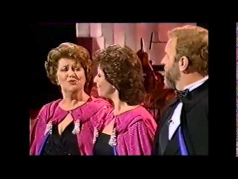 Colm Wilkinson,Patricia Routledge ,Helen Shapiro  - What Do The Simple Folk Do