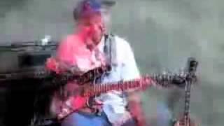 Tom Morello: Tricks & Guitar Gear - Part 1/3