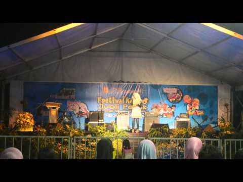 AINAN TASNEEM-SETENGAH HATI-Festival Konvo Jubli Perak UTM 2013