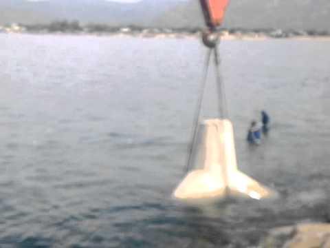 Setup TETRAPOD below the sea, divers hazard warning!