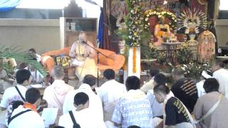 "ISKCON SAKKHI Indonesia - Bhakti Visrambha Madhava Swami Bhajan ""Yadi Gaura Na Hoito"""