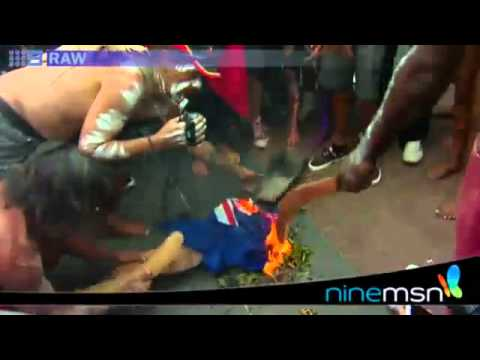 aborigines burn spit on australian flag on australia day 2012 after prime minister attack youtube. Black Bedroom Furniture Sets. Home Design Ideas