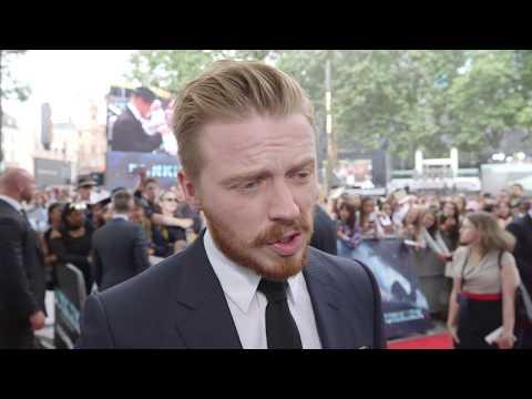 Dunkirk World Premiere Interview - Jack Lowden