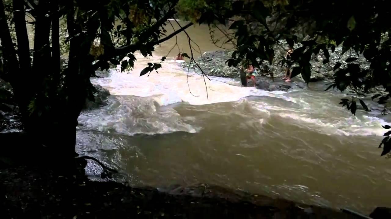 Currumbin creek rock pool qld youtube for Pool show qld