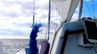 SNAPPING LINES ON OUR SAILING CATAMARAN!!