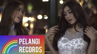 Duo Serigala - Sayang (Official Music Video) | Versi Bahasa Indonesia