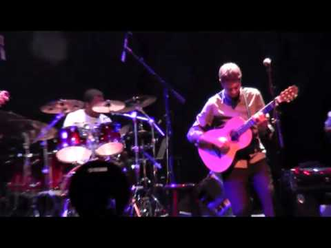 Acoustic Alchemy performs