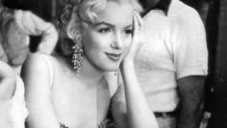 Watch Marilyn Monroe Im Through With Love video