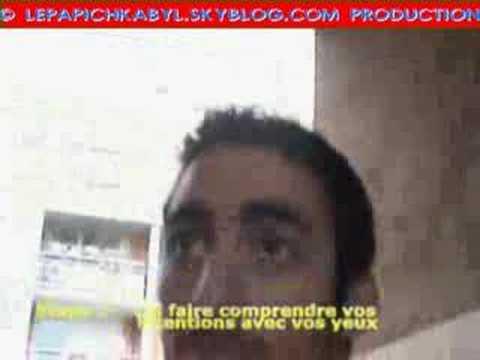 Quand un chauffeur de taxi musulman fait monter deux racistes dans sa voiturede YouTube · Durée:  2 minutes 2 secondes