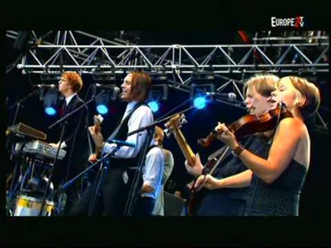 Arcade Fire - Neighborhood #1 (Tunnels) | Rock en Seine 2005 | Part 7 of 10