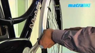 Het monteren van pedalen