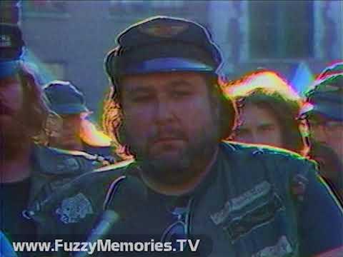 "WKRC Channel 12 [Cincinnati, OH] - Eyewitness 12 - ""Live TV Retaliates"" (1977)"