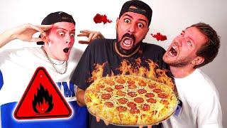 Wir ESSEN die schärfste PIZZA der WELT!! 😱(mit jan und Niek)