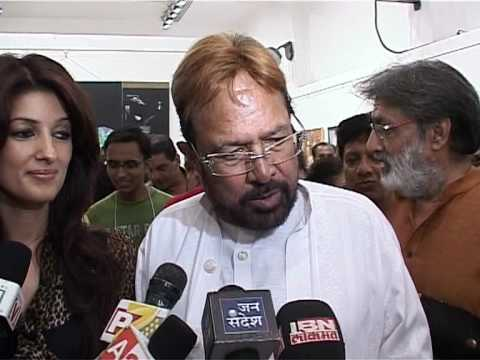 Twinkle and Rajesh Khanna at Jahangir Art Gallery