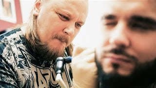 Татуировка на шее в День Рождения. Мастер Саша Энакен.